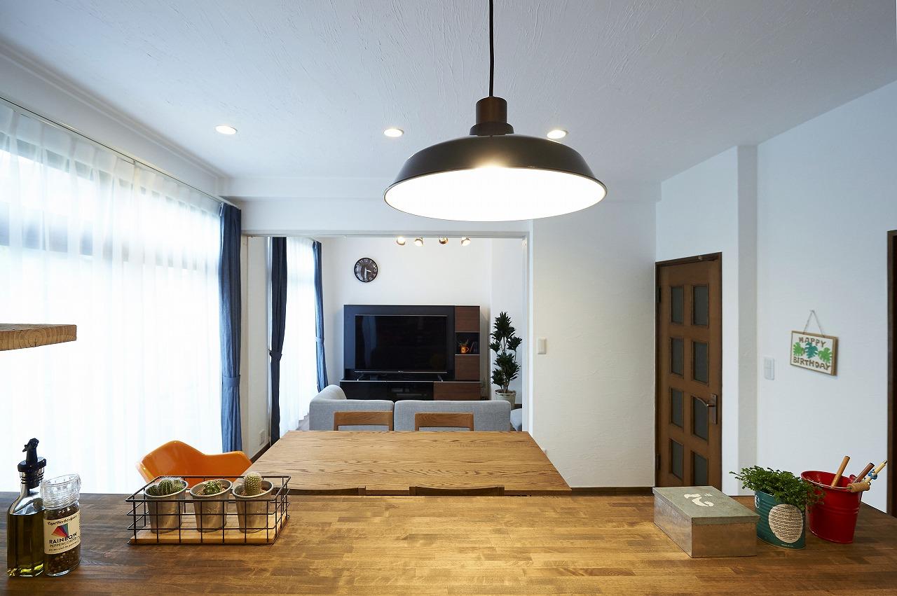 明るく伸びやかなワンフロアのLDK。オープンな対面キッチンからLDが見渡せます。