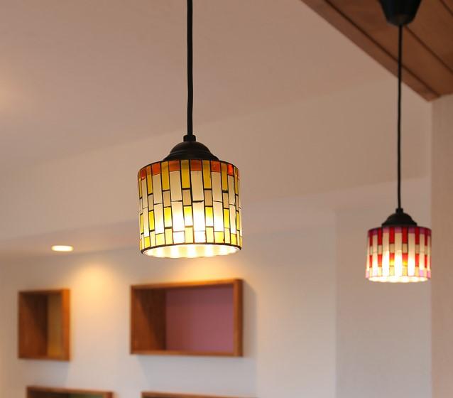 キッチンと廊下の照明デザインをそろえ統一感を
