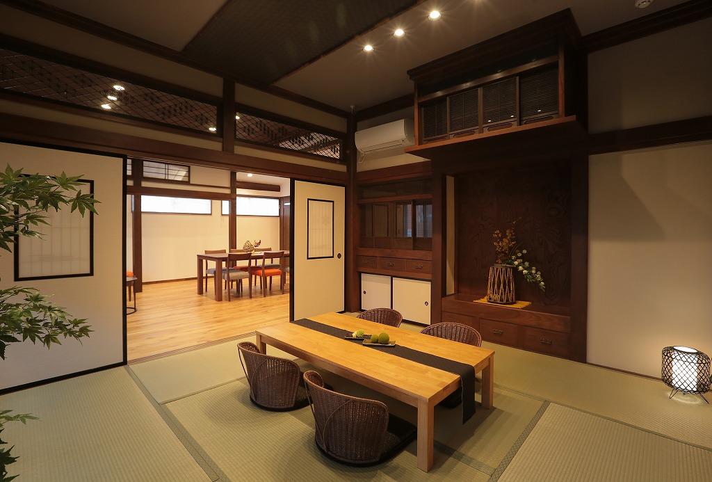 もともとの形状を活かし、照明や畳を入れ替えモダンな空間に。