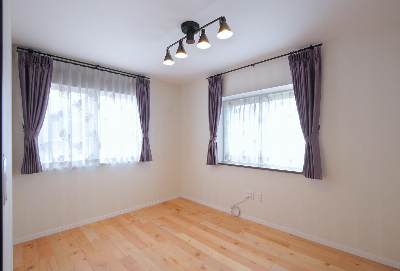 2階の居室は元々の間取りを活かしてブラッシュアップ。より洗練されたお部屋になりました。